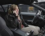 Telefonierende Autofahrerin Copyright bei Mercedes